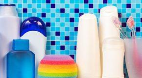 Substances toxiques et indésirables dans les cosmétiques : Un guide pratique Que Choisir pour faire le tri dans la salle de bain.
