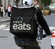 Livraison de repas • À quoi joue Uber Eats ?