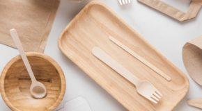Test sur la vaisselle jetable – Le « sans plastique » n'est pas si vert, ni sans danger pour la santé
